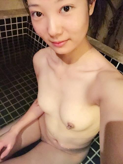 中国の美人若妻の自分撮りヌード流出画像 6