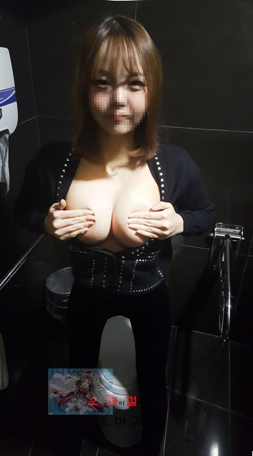 美巨乳&パイパンな韓国素人美少女のヌード&ハメ撮り画像 1