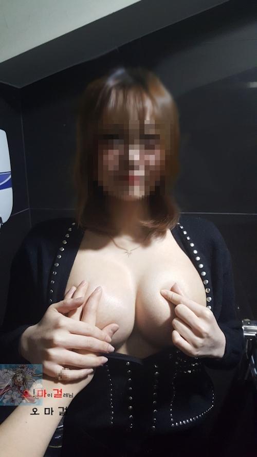 美巨乳&パイパンな韓国素人美少女のヌード&ハメ撮り画像 2