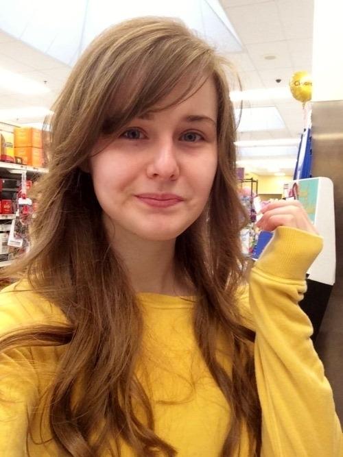 キュートな西洋素人美少女がSNSにアップしていた自分撮りヌード画像 1