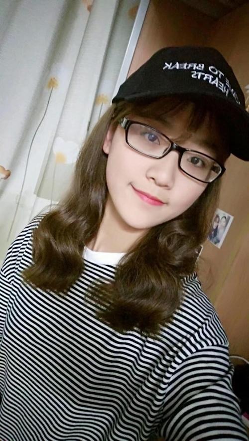 中国の美人女子大生のプライベートヌード画像が流出!? 1