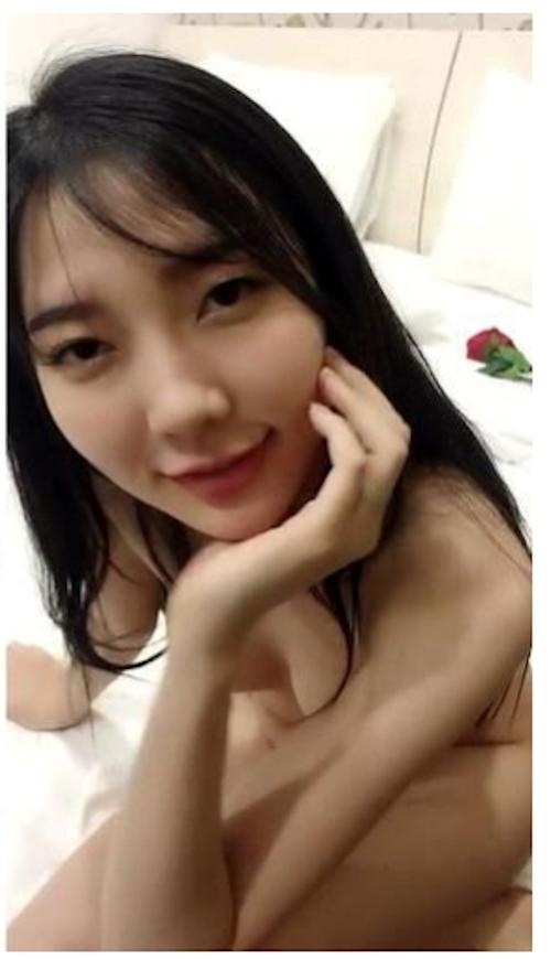 極上アジアン美少女のプライベートヌード画像 1