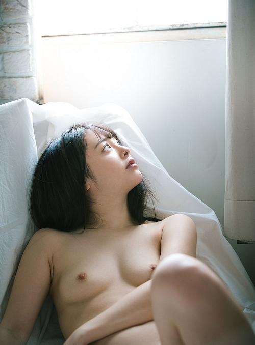 小倉由菜 セクシーヌード画像 12