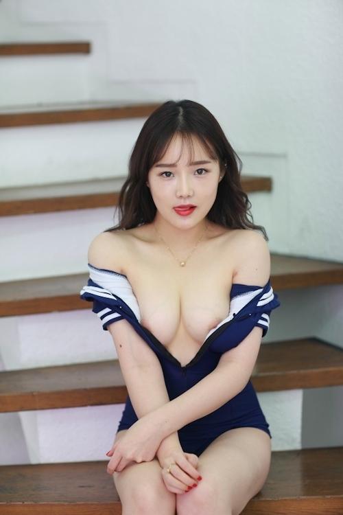 韓国美女モデルを撮影したヌード画像 4