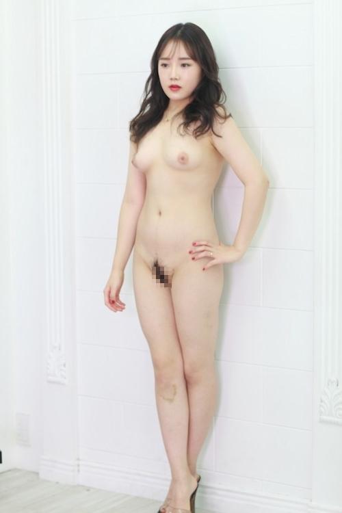 韓国美女モデルを撮影したヌード画像 8