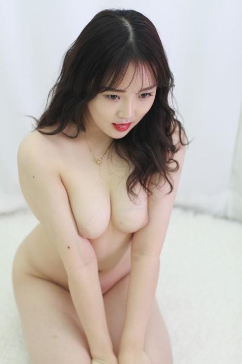 韓国美女モデルを撮影したヌード画像 10