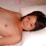ショートカットの微乳美少女をホテルで撮影したプライベートヌード画像