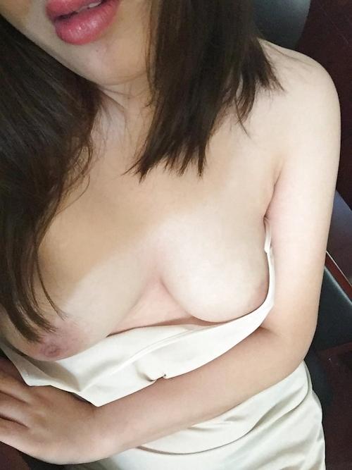 巨乳な中国素人美女の自分撮りヌード画像 14