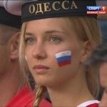 ワールドカップ ロシア戦のスタンドにいた金髪美女は誰だ!?と話題に → 有名なポルノ女優でした