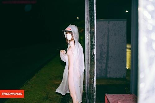 美微乳パイパン美少女の野外露出ヌード画像 9