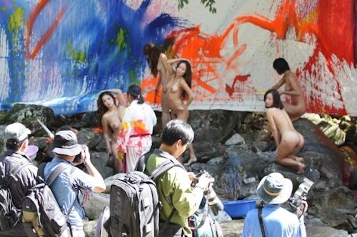 野外ヌード撮影会の画像 12