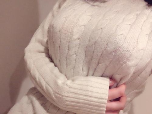 美巨乳&美尻な素人美少女が裏垢にアップしていた自分撮りヌード画像 1
