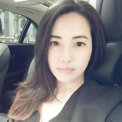 上品なアジア系素人美女を性奴隷にしてるヌード画像 1