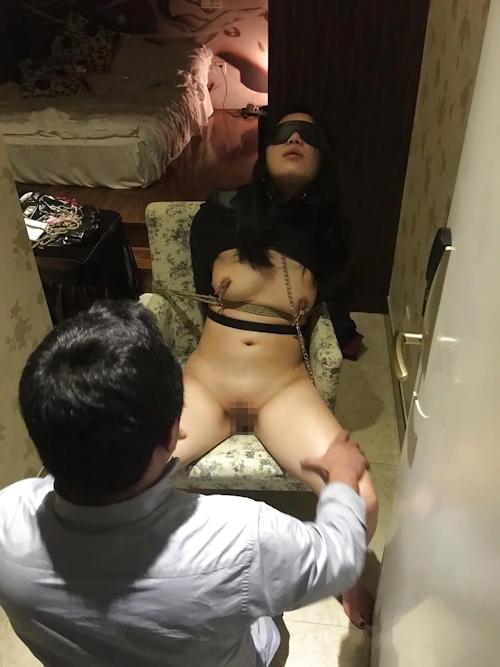 上品なアジア系素人美女を性奴隷にしてるヌード画像 7