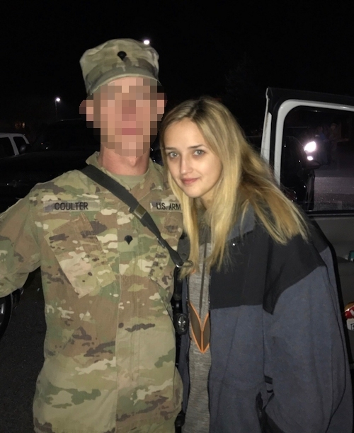 彼氏が軍人のアメリカ金髪美女の自分撮りヌード画像が流出 2