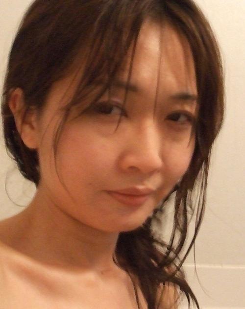 日本の素人美女のプライベートヌード画像 3
