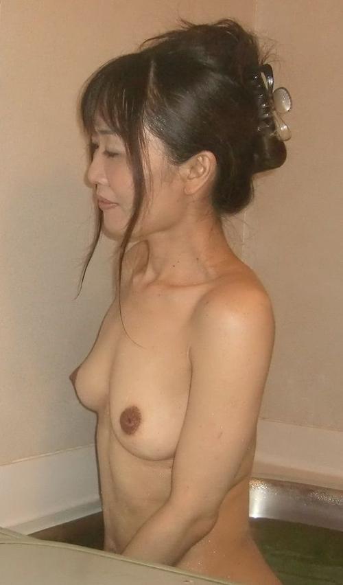 日本の素人美女のプライベートヌード画像 5
