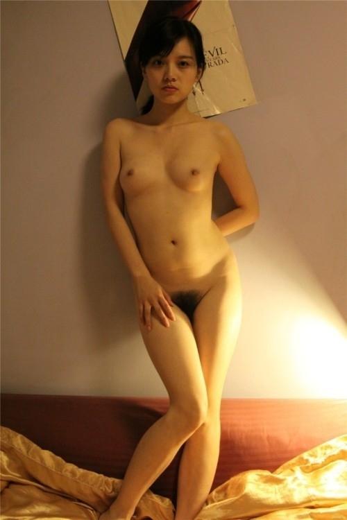 美乳な中国美女のヌード画像 5