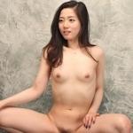 韓国のスレンダーな素人美女を撮影したヌード画像