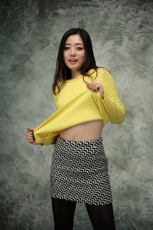 韓国のスレンダーな素人美女を撮影したヌード画像 2