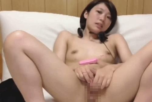 清楚系美少女がチャットで全裸オナニーしてる画像 5
