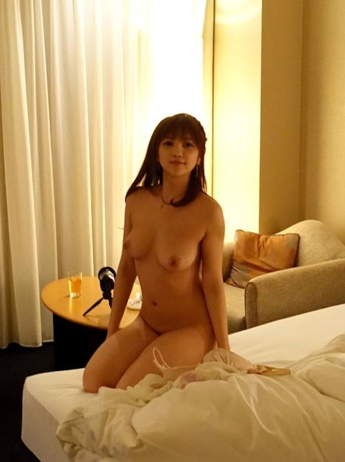 Fカップ巨乳な美少女地下アイドルのヌード画像 6