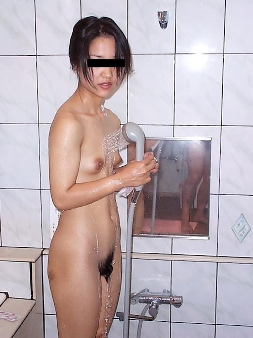 パフィーニップルな日本の素人美女のプライベートヌード画像 3
