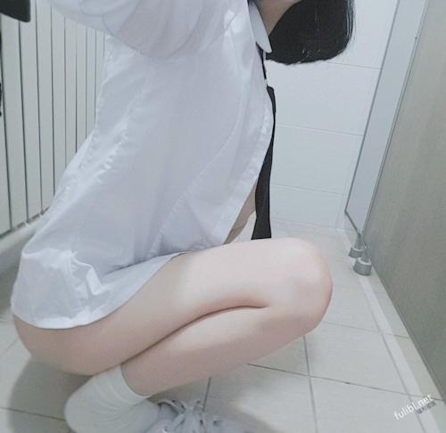 """韓国の美少女""""女神""""の自分撮りヌード画像 3"""