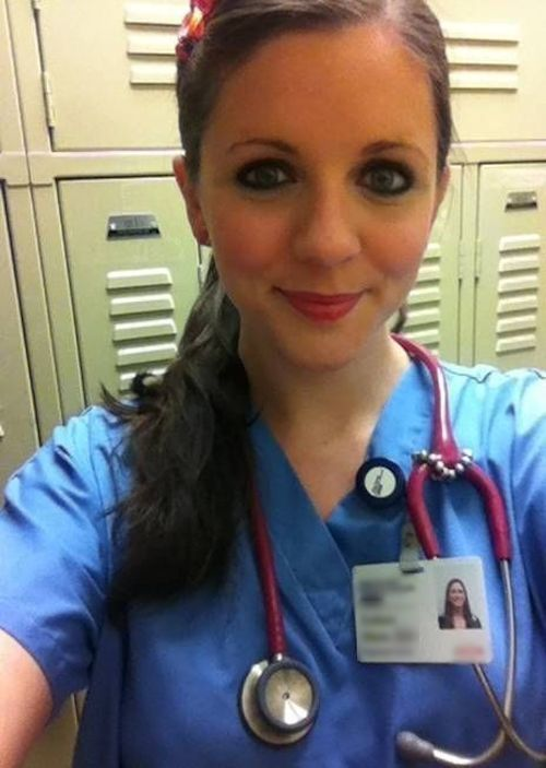 巨乳な美人看護師の自分撮りヌード流出画像 1