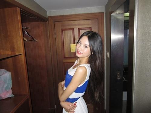 ガリガリスレンダーなアジアン美女のヌード画像 3