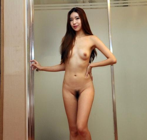 スレンダーな韓国美女モデルのヌード画像 1
