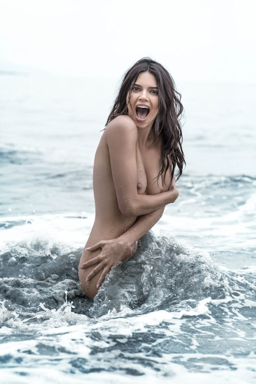 アメリカ美女モデル Kendall Jenner(ケンダル・ジェンナー)の全裸ヌード画像 1