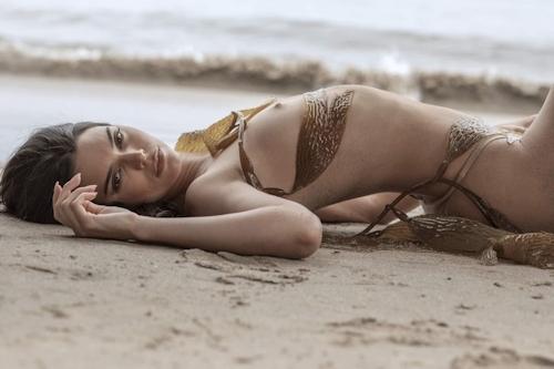 アメリカ美女モデル Kendall Jenner(ケンダル・ジェンナー)の全裸ヌード画像 4