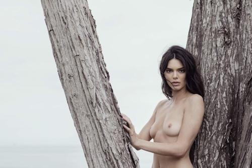 アメリカ美女モデル Kendall Jenner(ケンダル・ジェンナー)の全裸ヌード画像 18