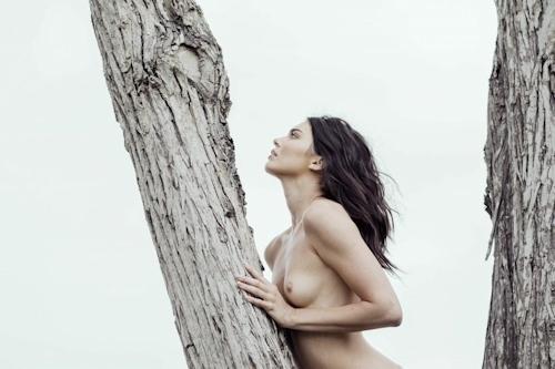 アメリカ美女モデル Kendall Jenner(ケンダル・ジェンナー)の全裸ヌード画像 20