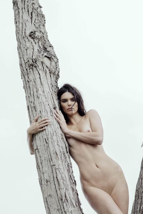 アメリカ美女モデル Kendall Jenner(ケンダル・ジェンナー)の全裸ヌード画像 22