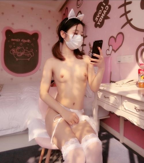 美微乳パイパン少女の自分撮りヌード画像 7