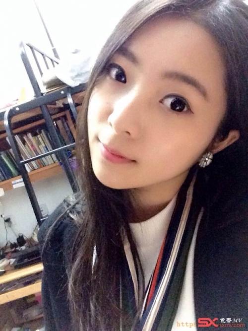 中国の美脚な美人女子大生のプライベートセックス画像が大量流出 3