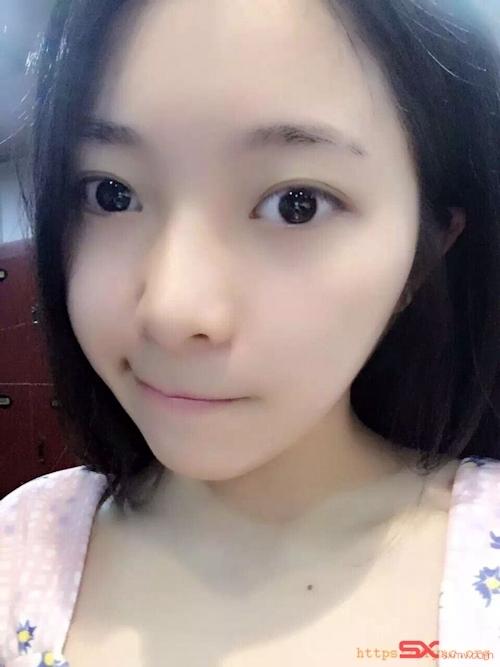 中国の美脚な美人女子大生のプライベートセックス画像が大量流出 4
