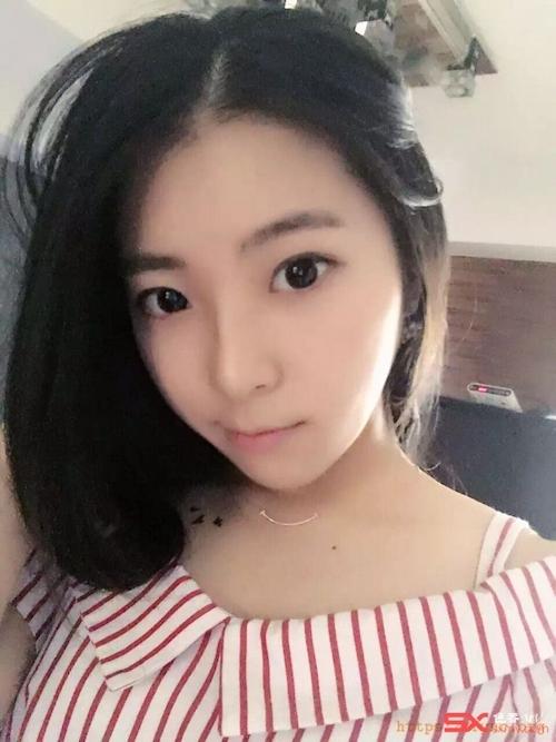中国の美脚な美人女子大生のプライベートセックス画像が大量流出 5