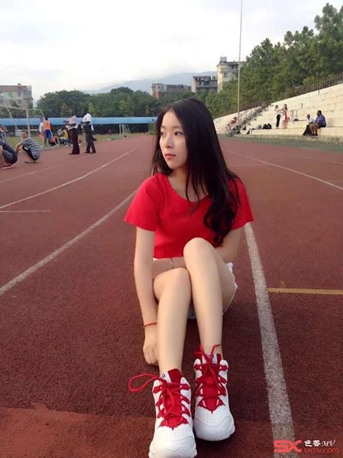 中国の美脚な美人女子大生のプライベートセックス画像が大量流出 7