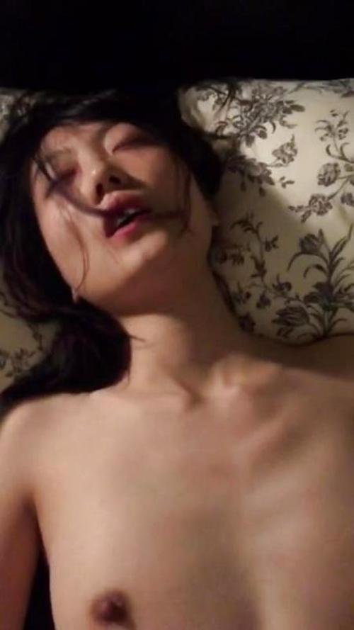 新婚美人若妻の結婚前のプライベートセックス流出画像  13