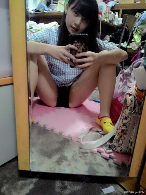 台湾の10代美少女女子学生の自分撮りヌードが流出 6