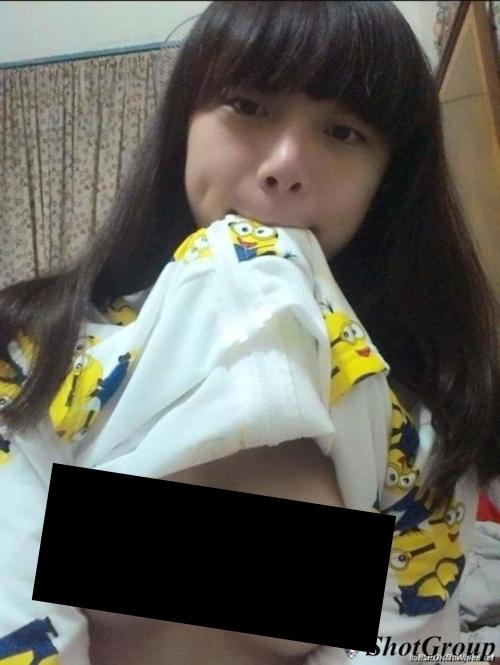 台湾の10代美少女女子学生の自分撮りヌードが流出 10
