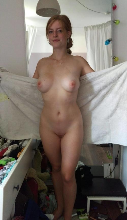 巨乳&パイパンなドイツ美女のプライベートヌード画像 5