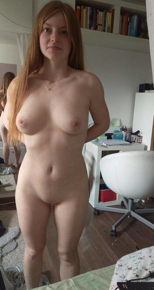 巨乳&パイパンなドイツ美女のプライベートヌード画像 7