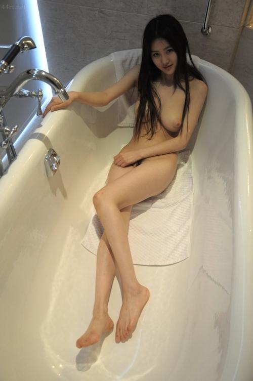 中国の巨乳美少女モデルのヌード画像 1