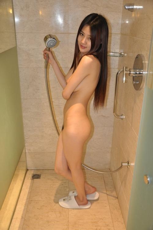 中国の巨乳美少女モデルのヌード画像 11