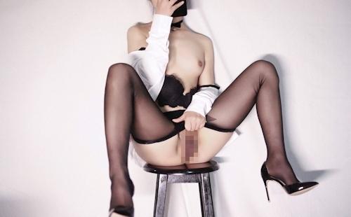 スレンダーな高級クラブ女性キャストのセクシーランジェリー&M字開脚自分撮り画像 10