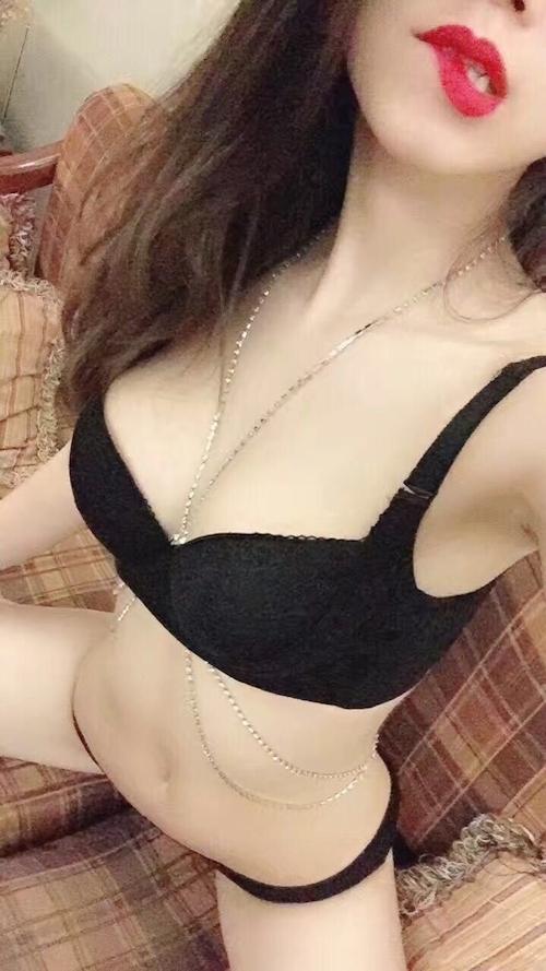 アジアンビューティーのセクシーランジェリー&おっぱい自分撮り画像 3
